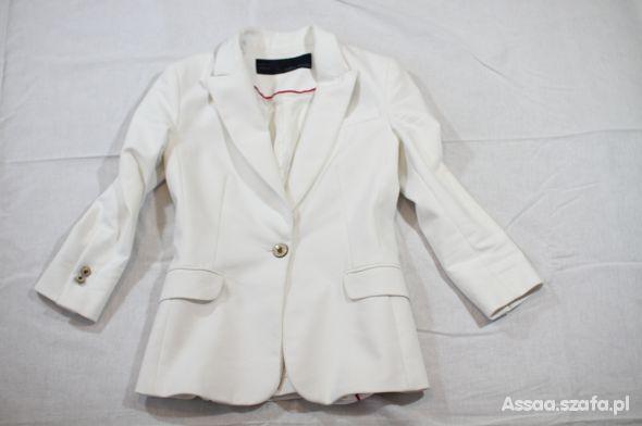 biała marynarka Zara