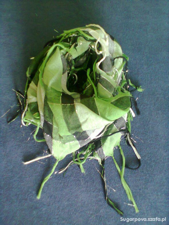 Chusty i apaszki czarno zielona chusta
