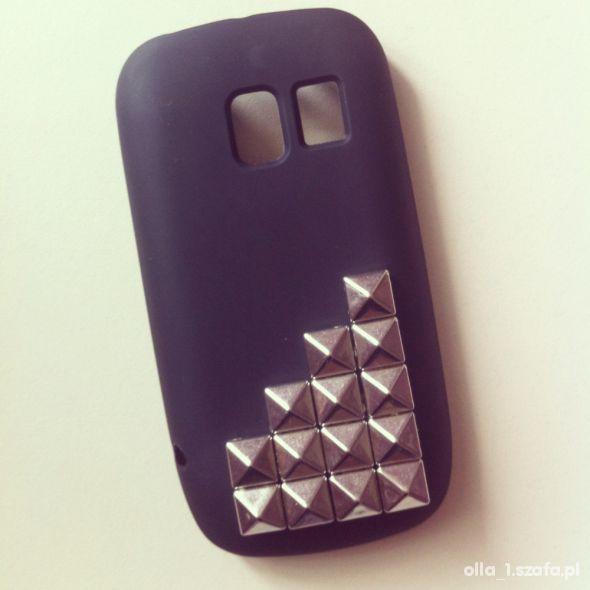 Pozostałe Nokia asha studded case rezerwacja