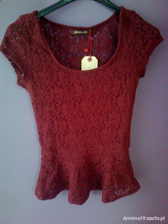 Piękna bluzka BERSHKA z baskinką