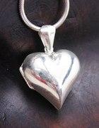 Poszukuje sekretnika serca srebra