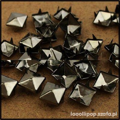 Pozostałe Piramidki ćwieki stalowo grafitowe 8mm