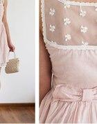 Pudrowa sukienka...