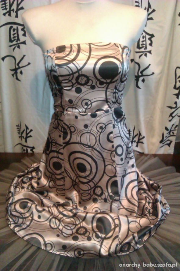 VILA CLOTHES rozkloszowane sukienki...