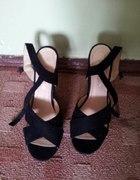 Nowe sandalki na koturnie