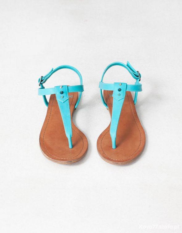 Nowe sandałki Pull & Bear