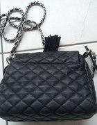 czarna pikowana torebka PARFOIS