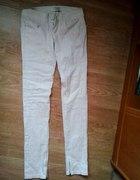 Śliczne brokatowe spodnie...