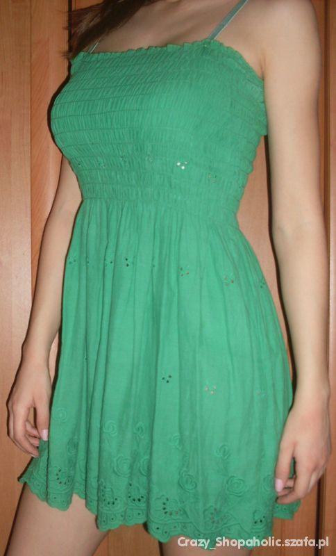 Zielona sukienka na lato