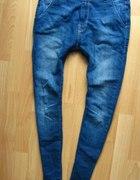 jeansy obniżony krok