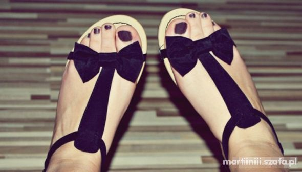 sandały sandałki Stradivarius kokardka kokarda w Sandały