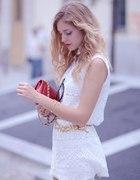 biała sukienka i chanelka