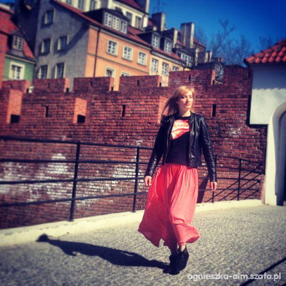 Mój styl czerwona spódnica