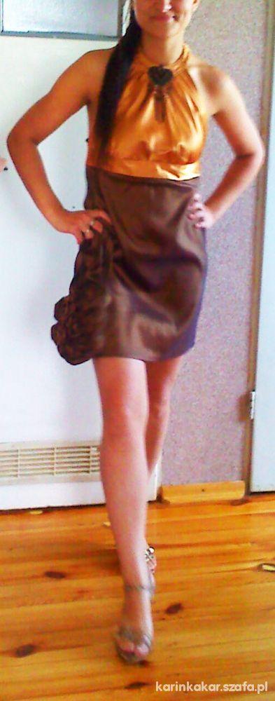 Eleganckie Złota sukienka unikatowa i oryginalna
