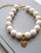 Blogerska biała ze złotym sercem