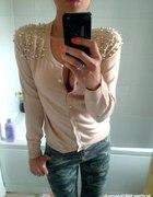 pudrowy sweterek perelki S