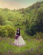 Suknia balowa w kwiaty z halką do ziemi i gorsetem