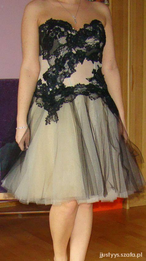 Sukienka gorsetowa z tiulem