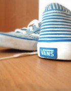 Vansy niebiesko białe