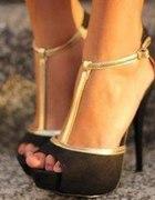 szpileczki czarne sandałki...
