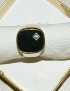 Złoty pierścień sygnet