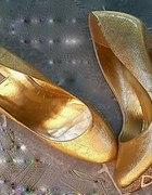 złote szpilki Dune