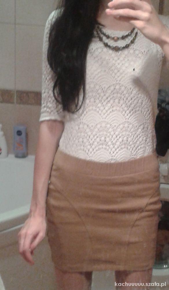 Mój styl Bandażowa spódniczka i koronka