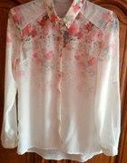 Koszula Bershka w kwiaty mgiełka