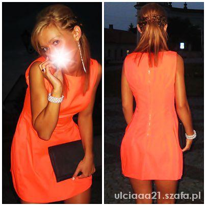 Na specjalne okazje Neonkowa sukienka