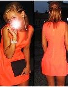 Neonkowa sukienka