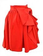 Czerwona spódnica z kokardą...