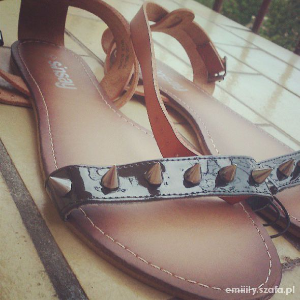 Sandały Sandałki ćwieki Sinsay