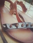 Sandałki ćwieki Sinsay