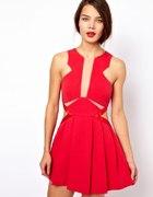 Czerwona Sukienka Wycięcia