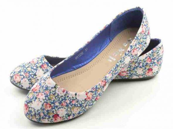 Balerinki urocze balerinki CCC niebieskie w kwiatki 36