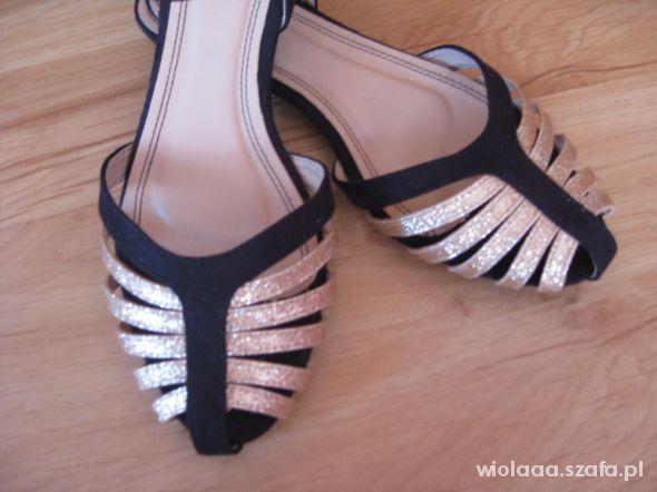 Sandały nowe czarnozłote sandalki płaskie ala zara