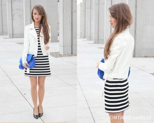sukienka w czarno białe paski MOHITO