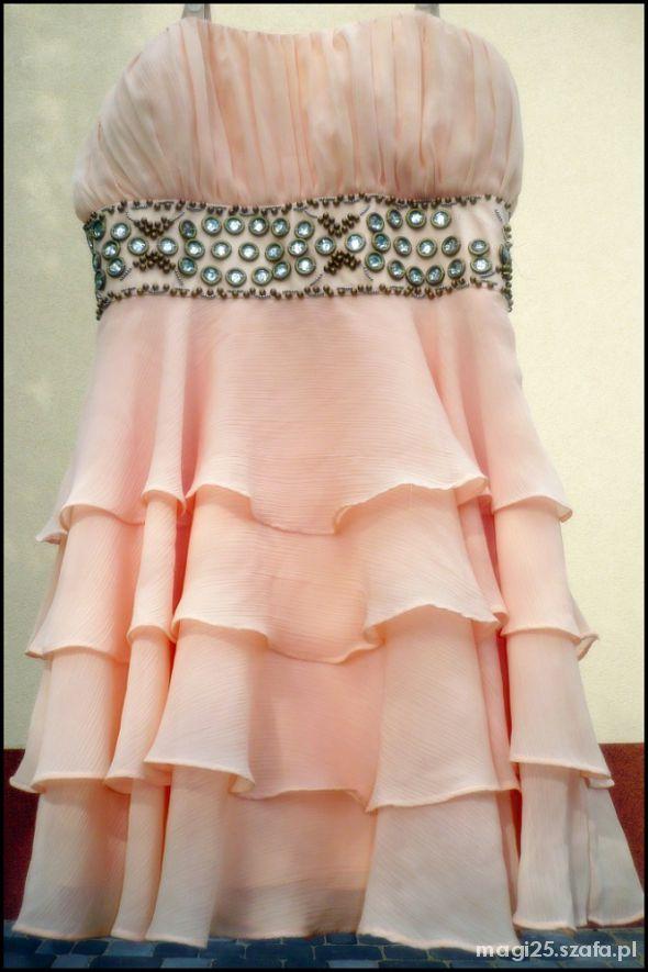 Sukienka z falbankami love label