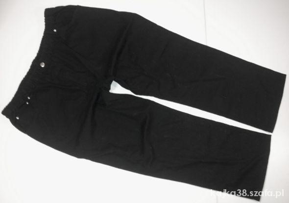 R50 Czarne spodnie ala legginsy