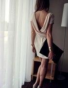 Sukienka ASOS odkryte plecy lejąca beżowa