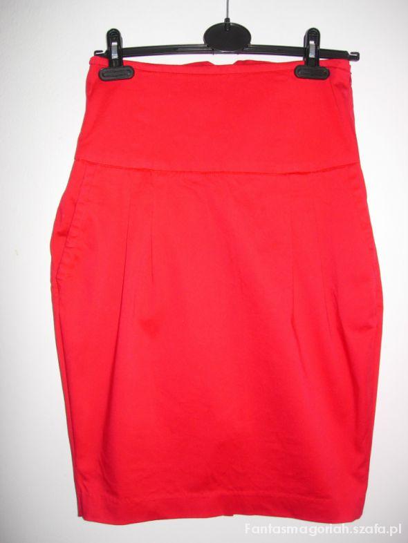 Reserved Ołówkowa czerwona spódnica M