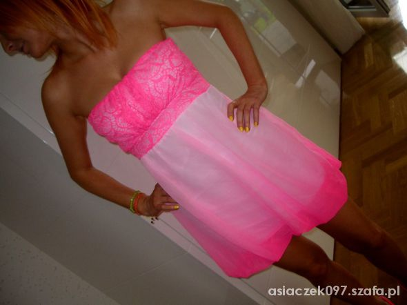 Neonkowa różowa nowa