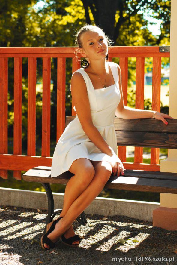 Mój styl Letnia biała sukienka