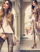 Ramoneska i printowe spodnie