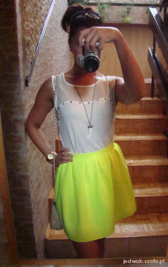 Mój styl Neon i biel