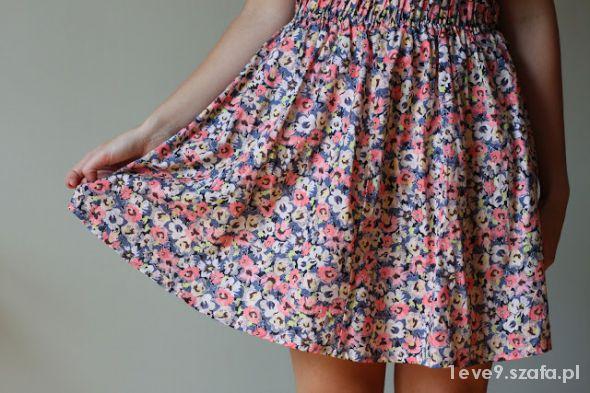 Spódnice spodniczka w kwiatki H&M