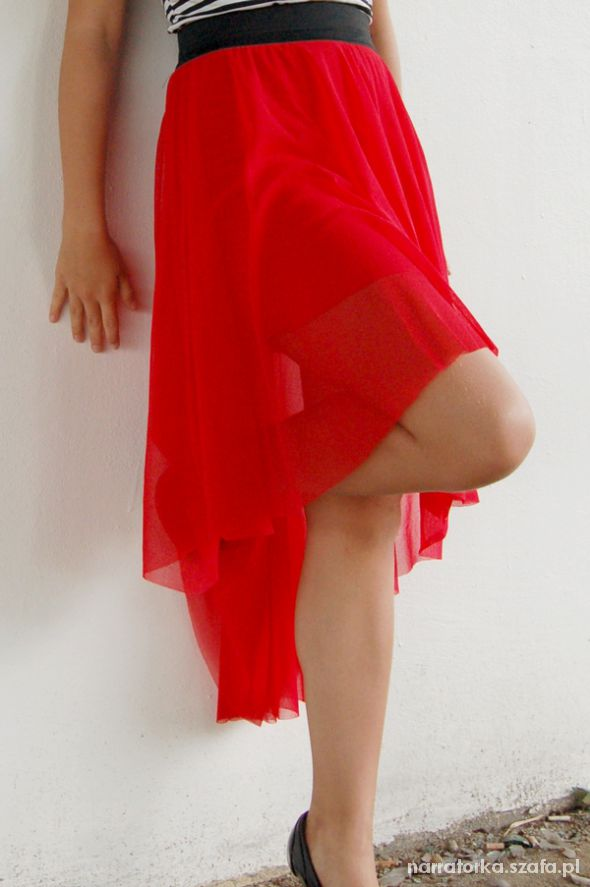 Spódnice Czerwona asymetryczna spódnica