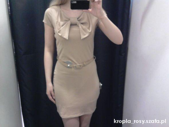 Sukienka z kokardą Mohito