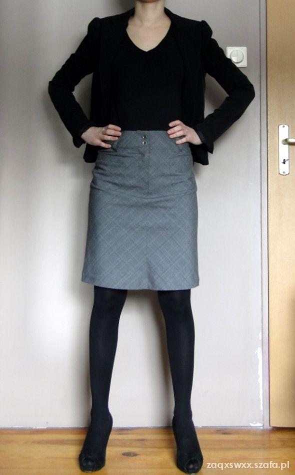 Spódnice klasyczna spódnica w delikatną kratę M
