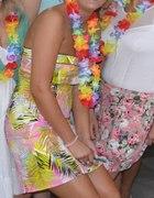 panieński w stylu hawajskim